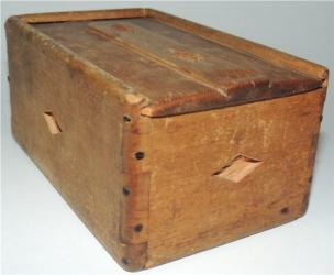 Small Early Slid lid Box